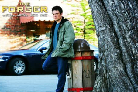 Josh Hutcherson - The Forger (2012)
