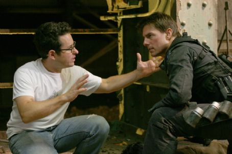 Mission: Impossible III Tom Cruise and director J.J. Abrams on the set of Paramount Pictures'