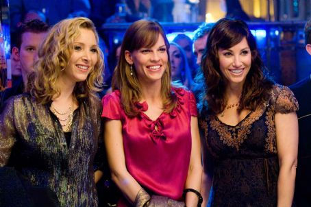"P.S. I Love You (L-r) LISA KUDROW as Denise, HILARY SWANK as Holly Kennedy and GINA GERSHON as Sharon in Alcon Entertainment's romantic drama "","" distributed by Warner Bros. Pictures. The film also stars Gerard Butler. Photo by Jonathan H"