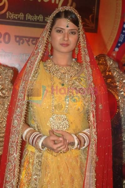 Kratika Sengar Actress  Pictures and shoots