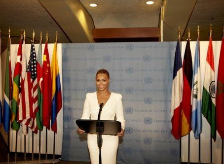 Beyoncé Knowles - Beyonce performing at the United Nations for World Humanitarian Day (August 10)