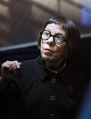 Linda Hunt NCIS: Los Angeles (2009)