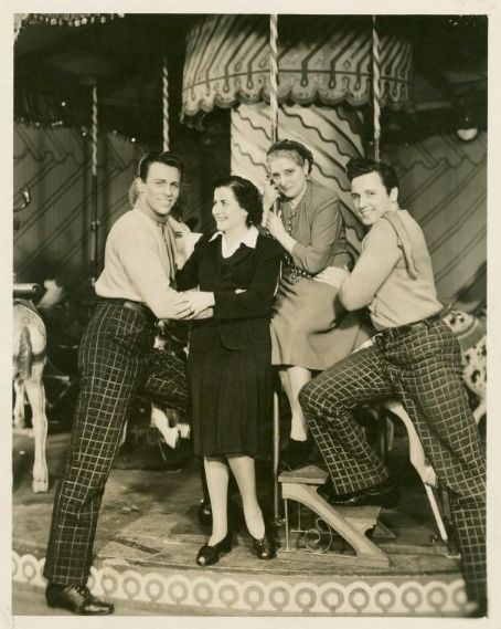 Jan Clayton JOHN RAITT AND HOWARD KEEL AS KEEL TAKES RAITTS PLACE IN ''CAROUSEL'' 1946
