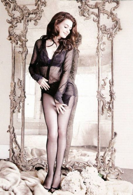Anne Hathaway GQ UK March 2010