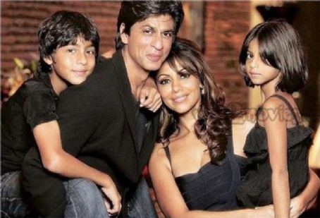 Gauri Khan and Shahrukh Khan - SRK N Family