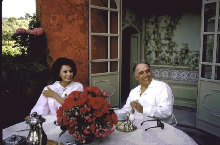Carlo Ponti and Sophia Loren - Carlo Ponti with wife Sophia Loren during the Cannes Film Festival in 1961.