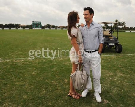 Michelle Woods Jeffrey Donovan and current girlfriend model