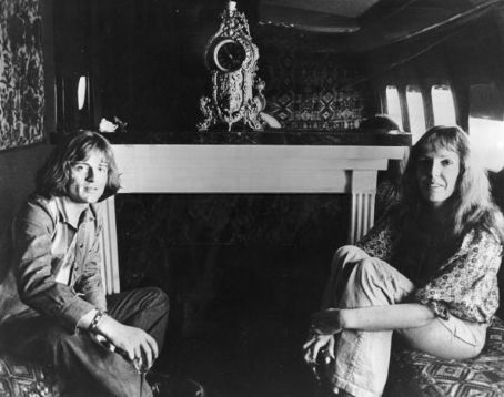 John Paul Jones and Maureen Jones - 1973 in starship