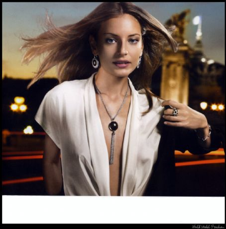 Reka Ebergenyi Ad campaign for Agatha Jewels, 2007