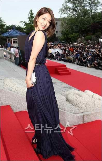 Shin-Hye Park park shin-hye at  Paeksang Award 2011