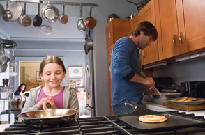 No Reservations Abigail Breslin and Aaron Eckhart play as Zoe and Nick in  - 2007