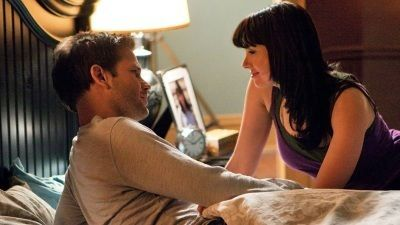 Matthew Davis As Alaric Saltzman And Mia Kirshner As Isobel Flemming In The Vampire Diaries (2009)