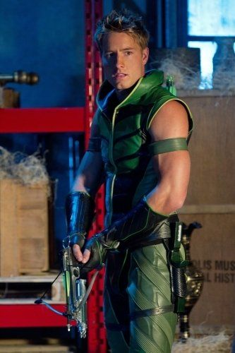 Justin Hartley - Smallville (2001)