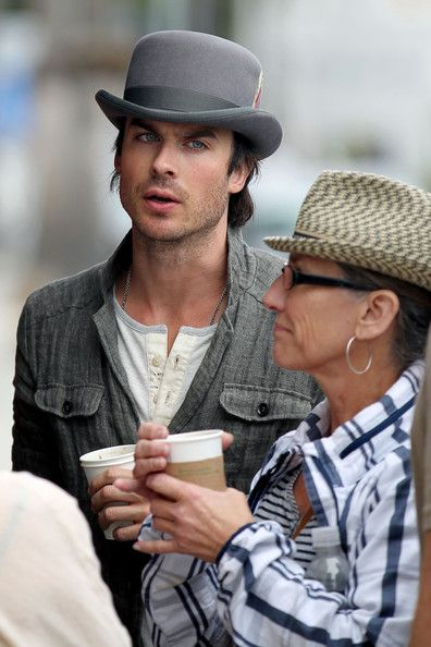 Ian Somerhalder shared a meal with friends in Venice Beach yesterday, April 22. He was seen grabbing a bite to eat at Gjelina Take Away