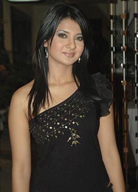 Jennifer Winget Jennifer winget photos